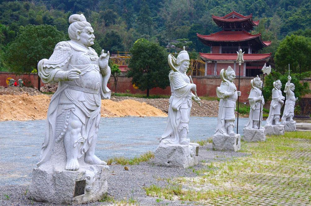 Lohan Statues